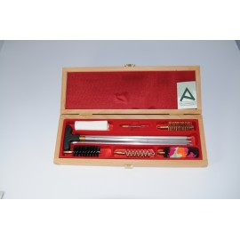 Shotgun cleaning kit with three-piece aluminium cleaning rod.